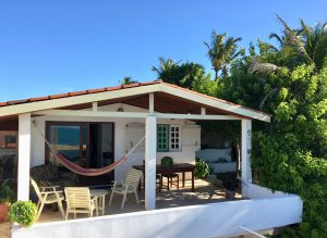 bungalow beach house_casa malou mar
