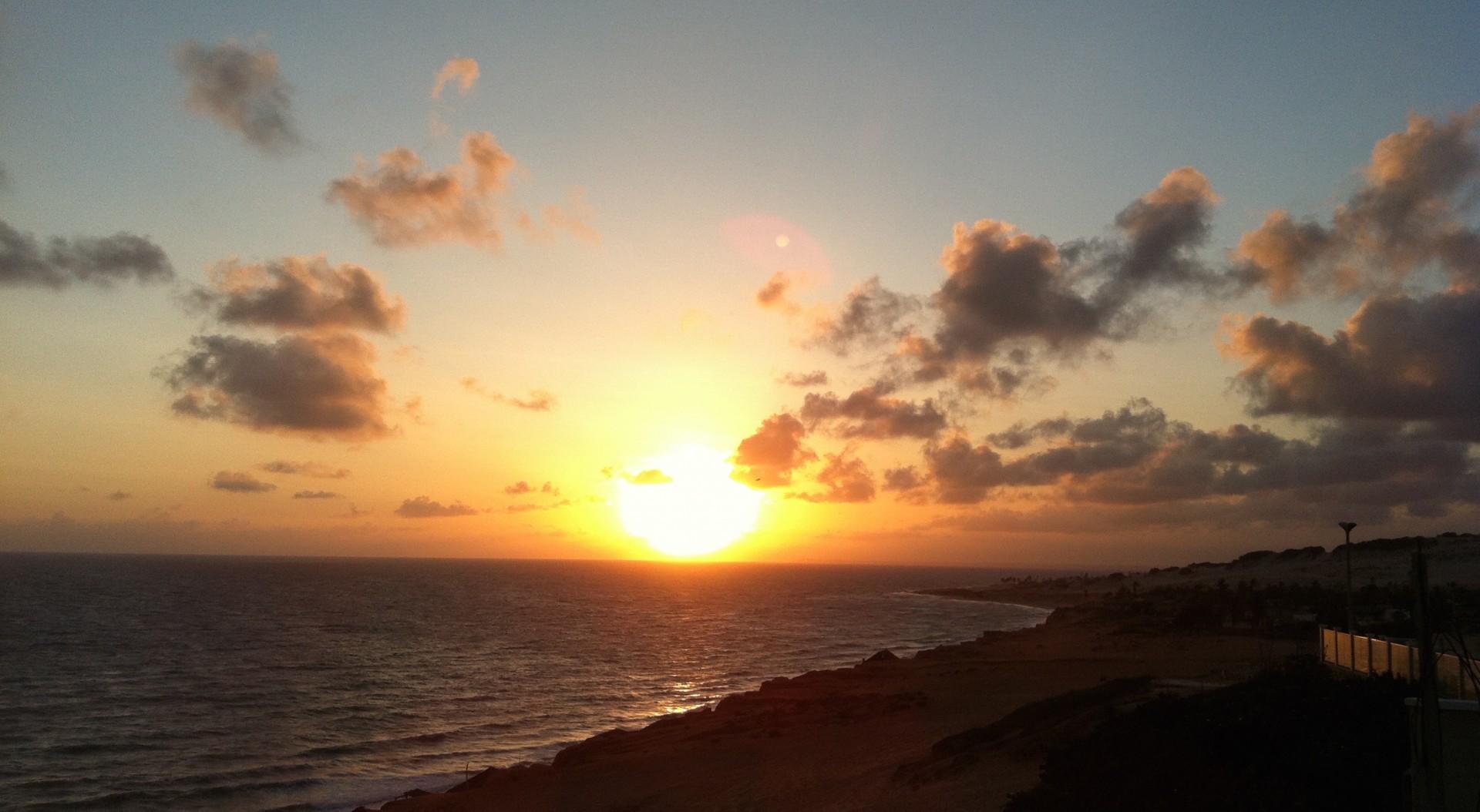 Canoa Quebrada_sunrice ocean_beach house_casa malou mar 1